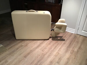 Massage table bed in excellent condition