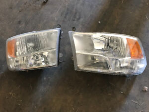 Dodge Ram 1500 headlights