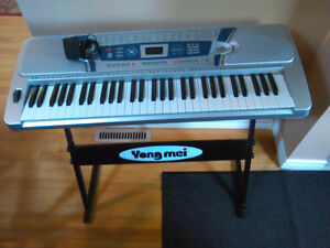 5 Octave Electric Keyboard