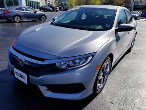 2017 Honda Civic LX / Heated Seats / Back-Up Camera / Bluetooth