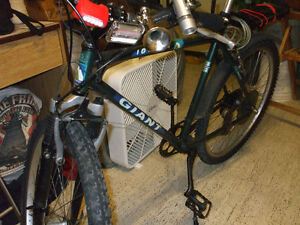 """49cc bike ready to go and """"Giant"""" frame ready to support motor Stratford Kitchener Area image 5"""