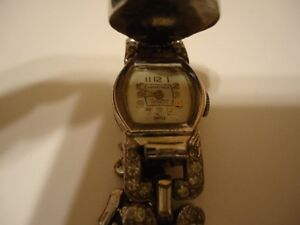 Vintage Woman's Marathon 17 Jewels Incabloc Wind Up Dress Watch.