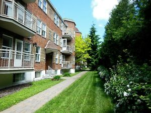 UPDATED, BEAUTIFUL & LARGE 2 BEDROOMS NDG/SNOWDON