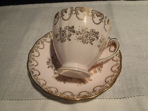 Antique Bone China Teacups and Saucers Kitchener / Waterloo Kitchener Area image 3