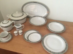 DISH SET FOR 12 WITH SERVING PIECES