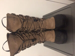Ladies Baffin Winter Boots