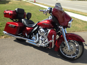 2009 Harley Davidson Street Glide Lots of Chrome and Extras
