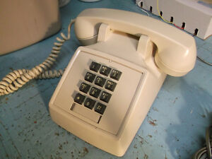 1970s Northern Electric 2500D touch tone telephone set- nice!