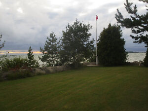 SAUBLE BEACH. LAKE FRONT AVAILABLE 26 AUG.- 1SEP