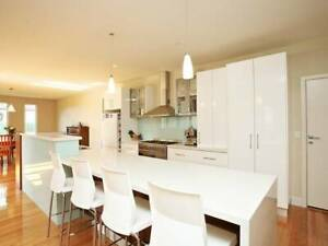 SHORT OR LONG TERM STAY IN LUXURY HOME - NEAR YARRAVILLE