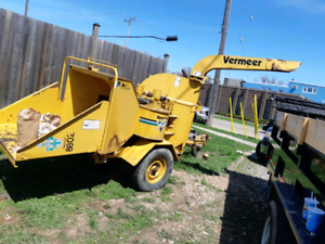 1997 Vermeer Wood Chipping Machine 1250.