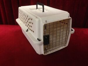 PET CARRIER    $30