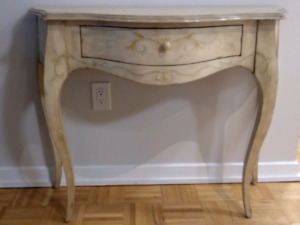 Bombay Entry table and Mirror for sale!