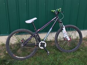 Specialized P1 Dirt jumper. great shape