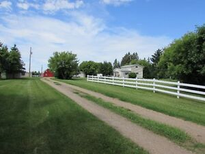 Beautiful acreage only 5 minutes from Camrose.