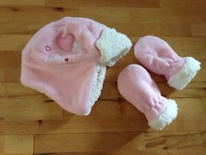 EUC 0-12 months JOE fleece winter hat and mitts