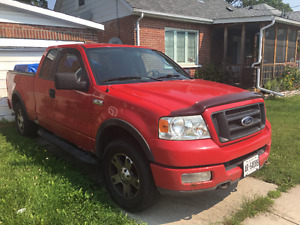 2005 Ford F-150 FX4 Pickup Truck - LOW KMS!