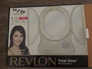 Revlon Total View Magnifying Mirror 1x/5x Magnification