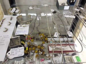 LOTS VINTAGE JEWELRY, WATCHES, POCKET WATCHES GOLD AND SILVER