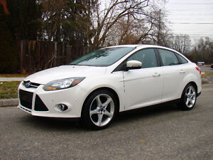 2012 Ford Focus, Titanium package, Nav, Back camera, Park assist