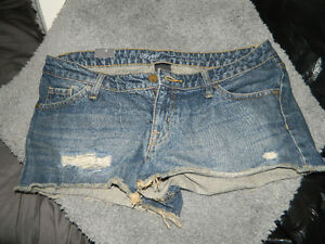 JEAN SHORTS SIZE 10/ NEW WITH TAGS