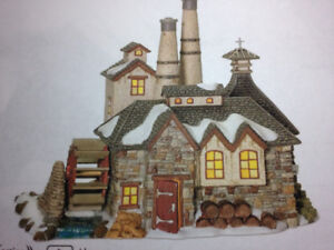 DEPARTMENT 56 - DICKENS'   LONDON GIN DISTILLERY - ANIMATED
