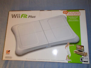NEW Wii fit and 2 extra kits for fit