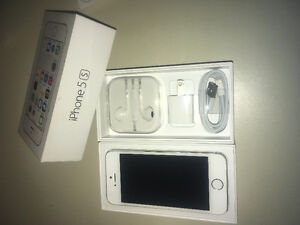 iPhone 5S 16gb unlocked silver