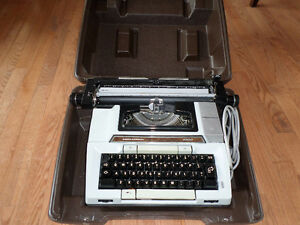 Smith Corona Electric Typewriter Model 2200