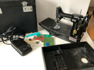 Singer Featherweight Sewing Machine Case Foot Peddle