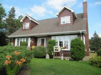 Beautiful Cape Cod Style Home overlooking the Bras D 'or Lakes!