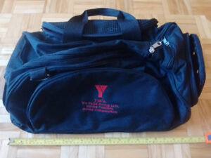 Swimmer's duffle bag /  sac de sport du nageur