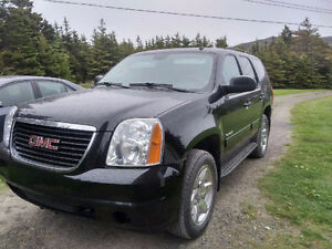 Reduced 2012 GMC Yukon SLE SUV.