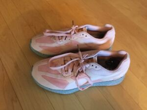 Ladies Puma Running Shoes - Size 5.5 ( 4 pairs) - $25 each