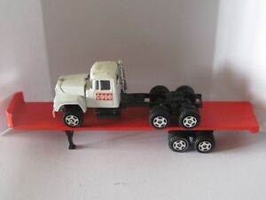 RARE, EXTREAMLY HARD TO FIND VINTAGE ERTL CASE TRANSPORT TRUCK