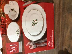 Christmas Dishes - 5 piece place settings -PRICE REDUCED!!! Regina Regina Area image 3