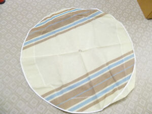"""Selling 40"""" vinyl table cloth for round outdoor patio table"""
