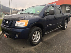 2010 Nissan Titan Pro-4X with ONLY 102k Kms!