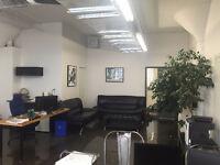 Espace de bureau style loft à louer