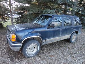 1991 Ford Explorer XLT SUV, Crossover 4X4