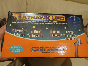 Selling A pair of RARE Early 2000's Skyhawk Flying R/C UFO's Kitchener / Waterloo Kitchener Area image 3