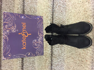 New! Kate & Mel black suede/leather boots ladies size 8.5