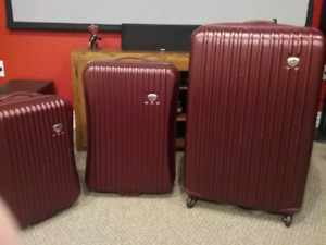 3 piece Hard shell luggage.