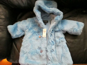 Children's Place Jacket size 18m