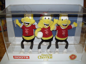 Roots / Cheerios 2000 Olympic Bee's In Acrylic Case