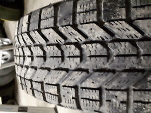 4 Firestone WinterForce 195/60 R 15's with rims