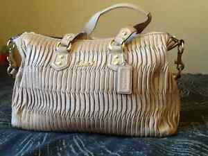 Authentic coach Madison gathered pleated leather, medium bag Kingston Kingston Area image 1