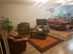 Short term rental room in cedarebrae sw