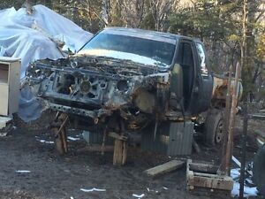 PARTING OUT TOYOTA PICKUP !!