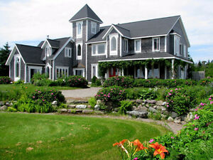St. Martins Home, 11 ac., Overlooking the Bay of Fundy